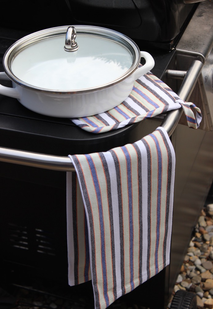 Matching Kitchen Towel and Pot Holder